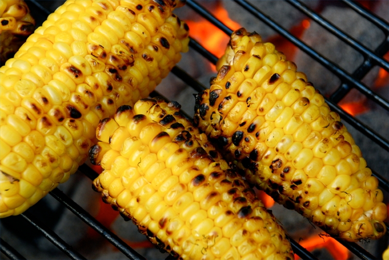 Grilling corn on the cob | Good Cooking