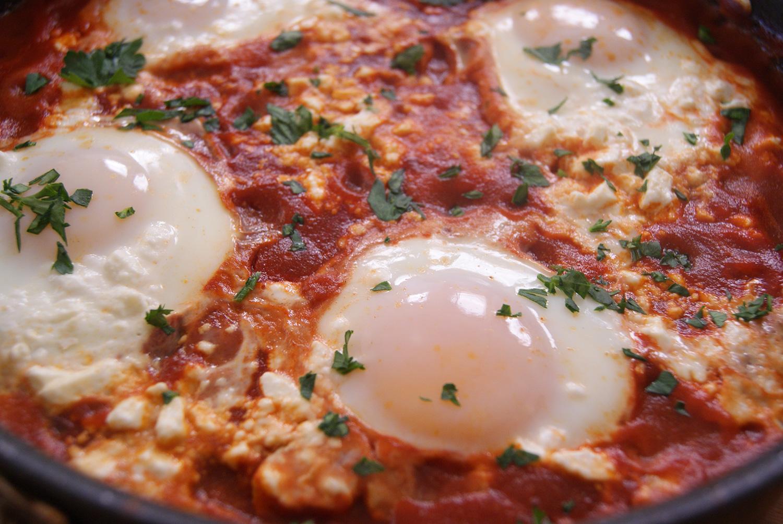 bulgarian-eggs-baked-in-tomato-sauce-2