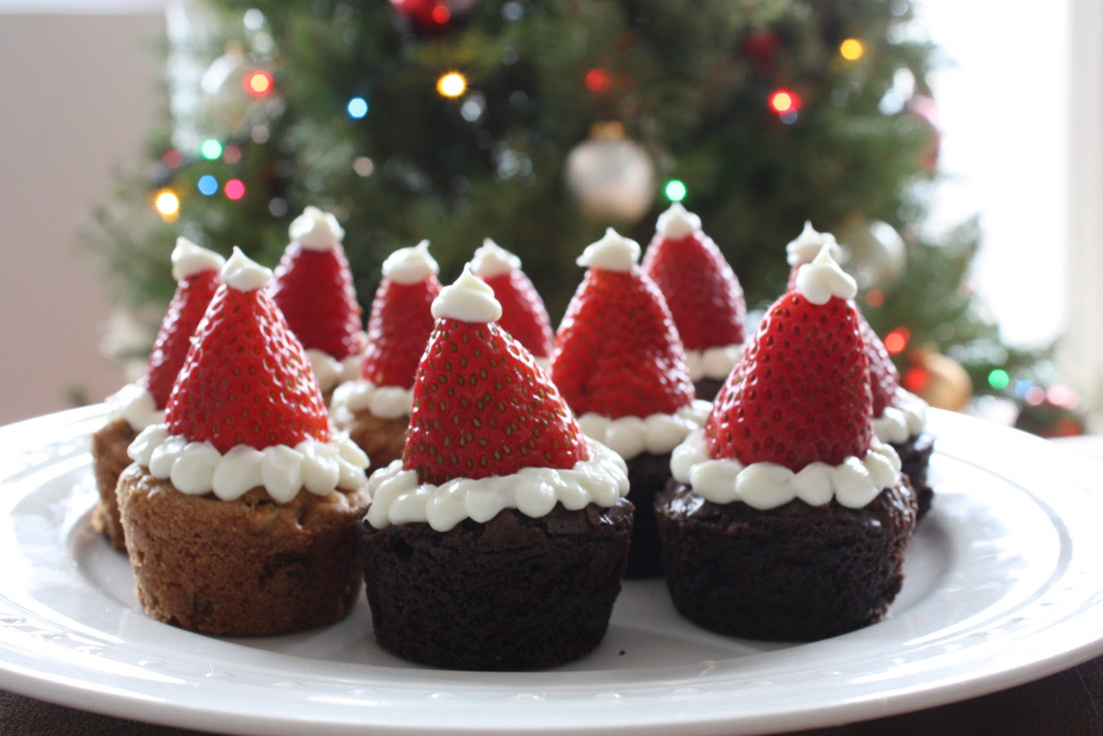 Brownie strawberry Santa hats