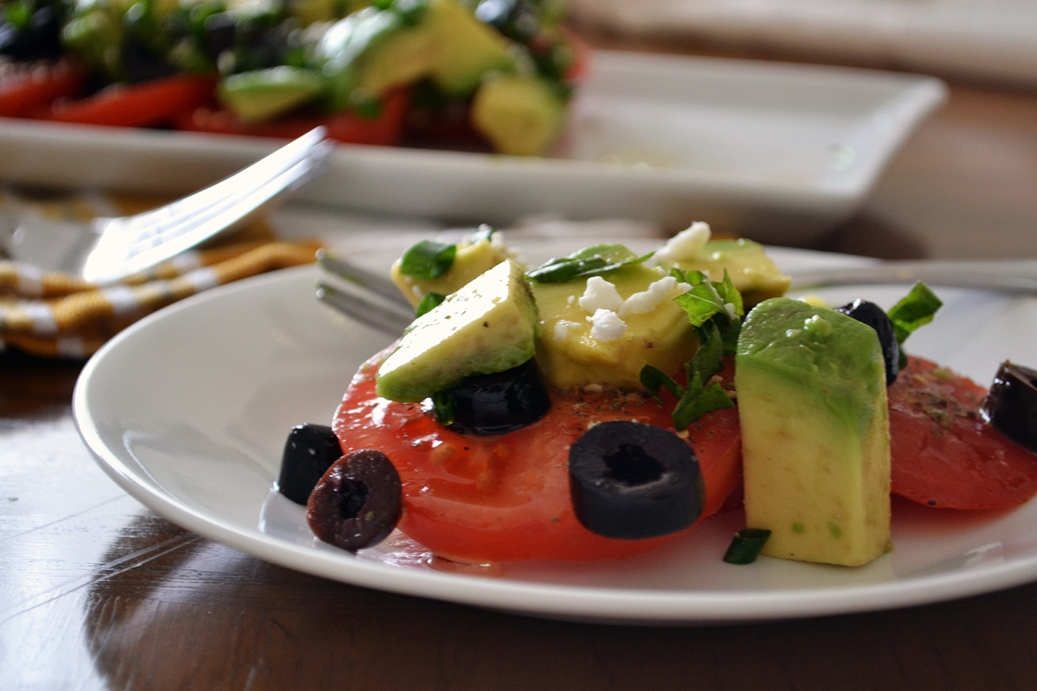 Tomato-and-Avocado-Salad-e