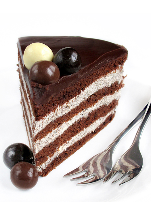 Cookies & cream chocolate layer cake