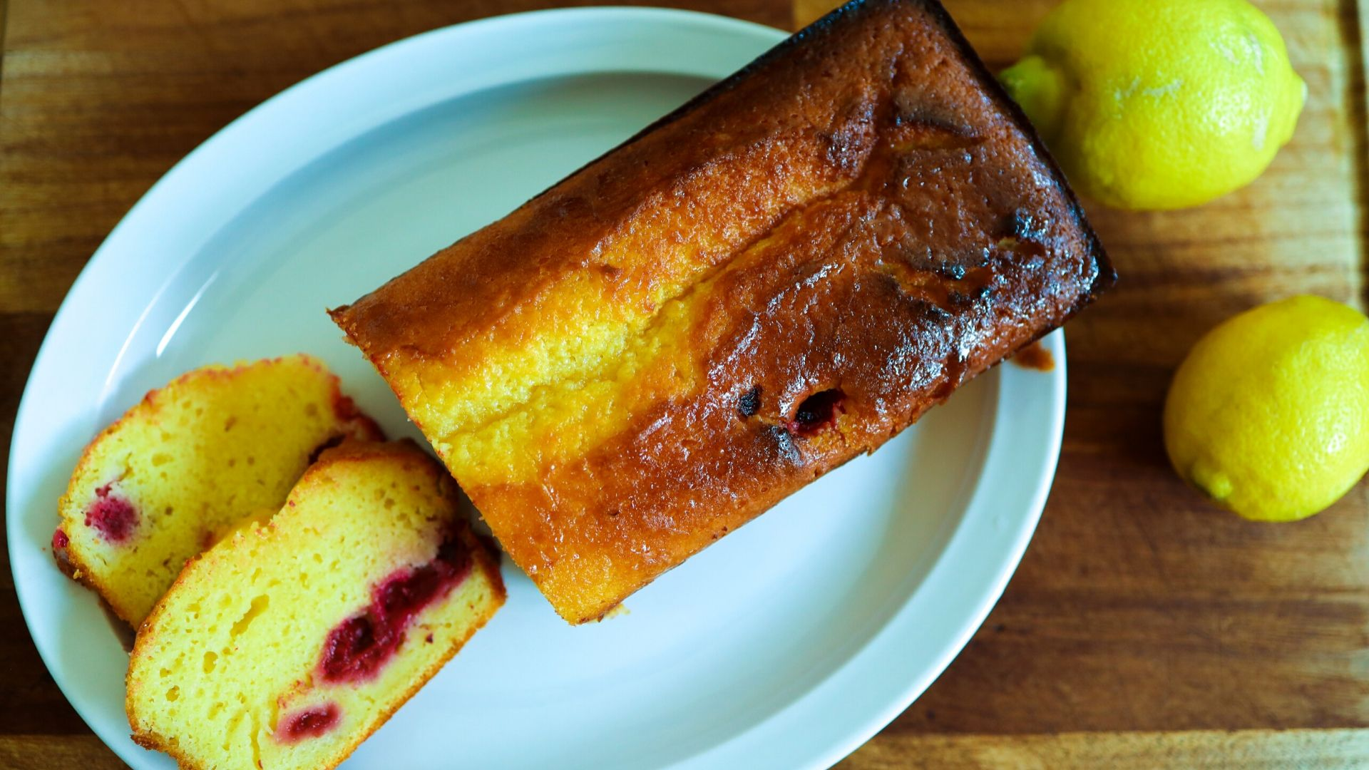 The world's best lemon drizzle cake recipe